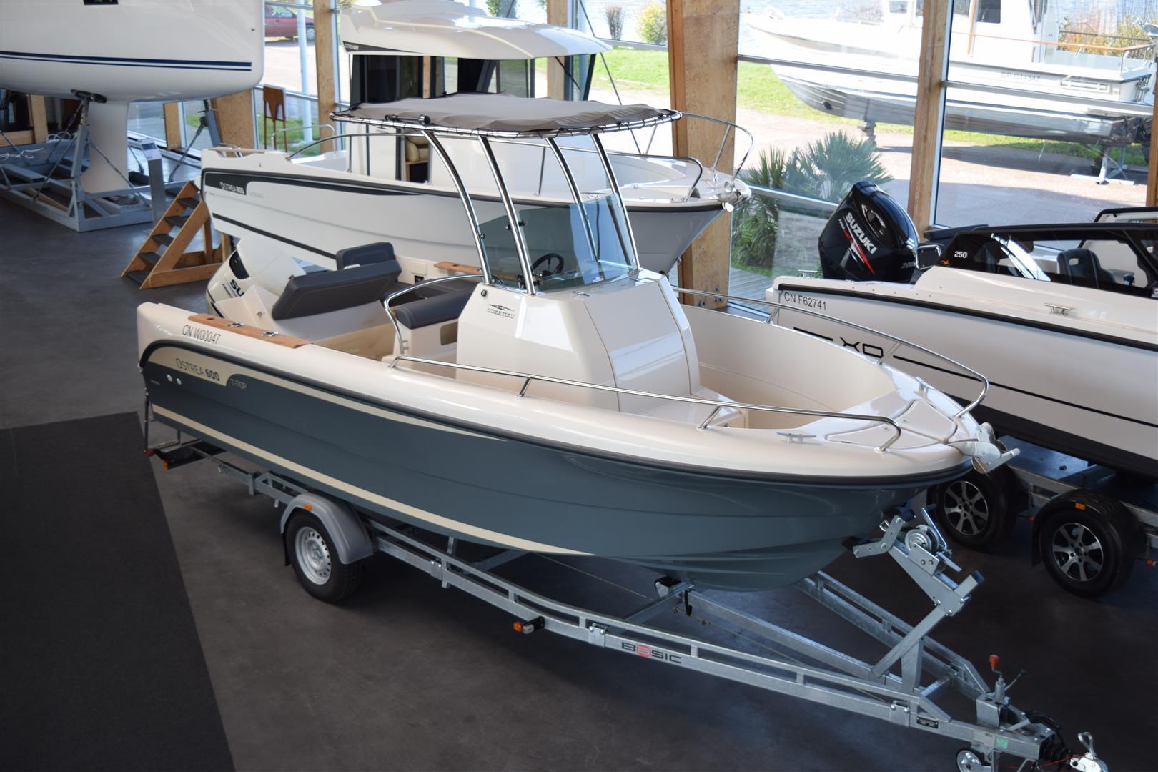 bateau moteur ocqueteau ostrea 600 t top neuf annonces. Black Bedroom Furniture Sets. Home Design Ideas